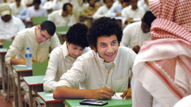 """""""الاعتدال وعباءة الصحوة"""" (نص للكاتبة السعودية نادية الشهراني)"""