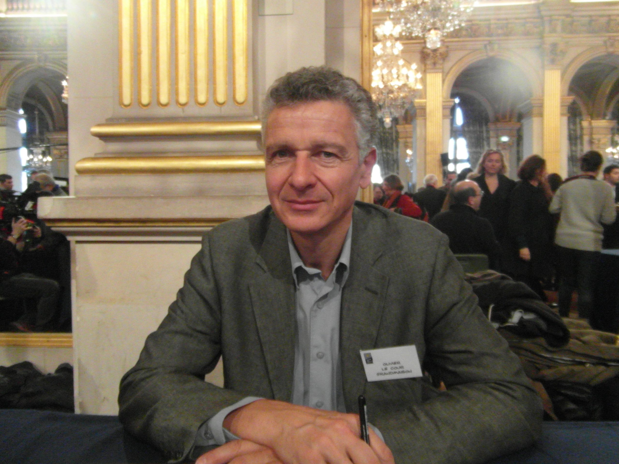 Olivier Le Cour Grandmaison analyse l'attitude de la France vis à vis de son passé colonial