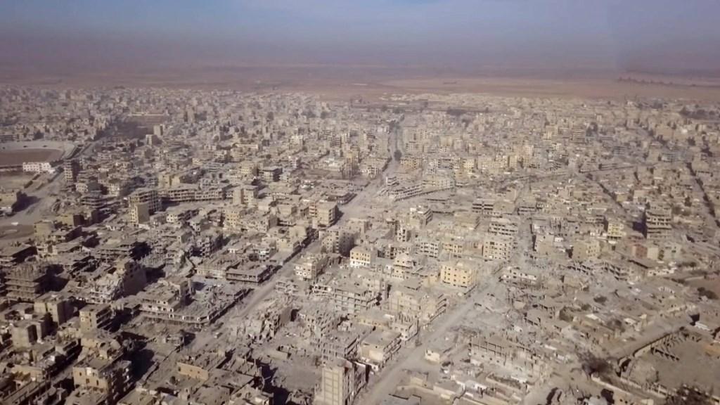 شاهد عيان يكشف جرائم الإحتلال الأميركي وأعوانه في مدينة الرقة السورية المحتلة
