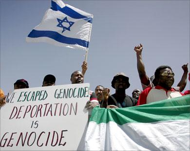 """السودان  """"بعد الثورة"""" : عودة 6 آلاف شاب من """"اسرائيل"""" ويطالبون الحكومة باعادة أموالهم المصادرة!"""