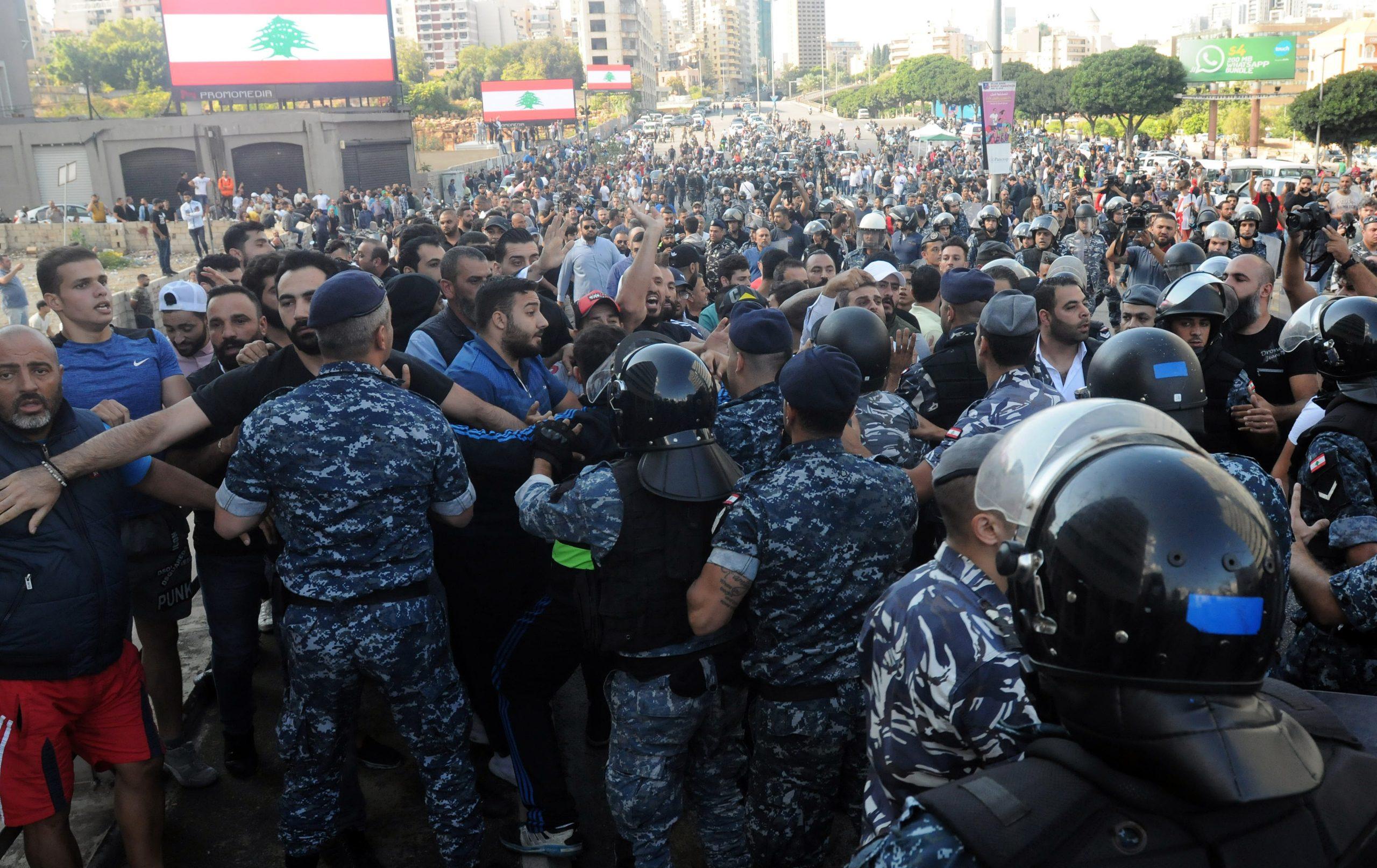 """قضايا """" الثورة اللبنانية"""" : كيف تنظر """"إسرائيل"""" الى مستقبل الحراك في لبنان؟ (4)"""