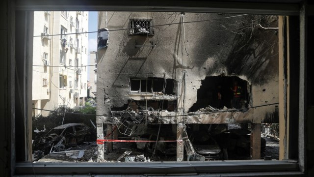 """غزة تُشْهِرُ سيف القدس : """"الجحيم الصاروخي"""" ينتظر """"إسرائيل"""""""