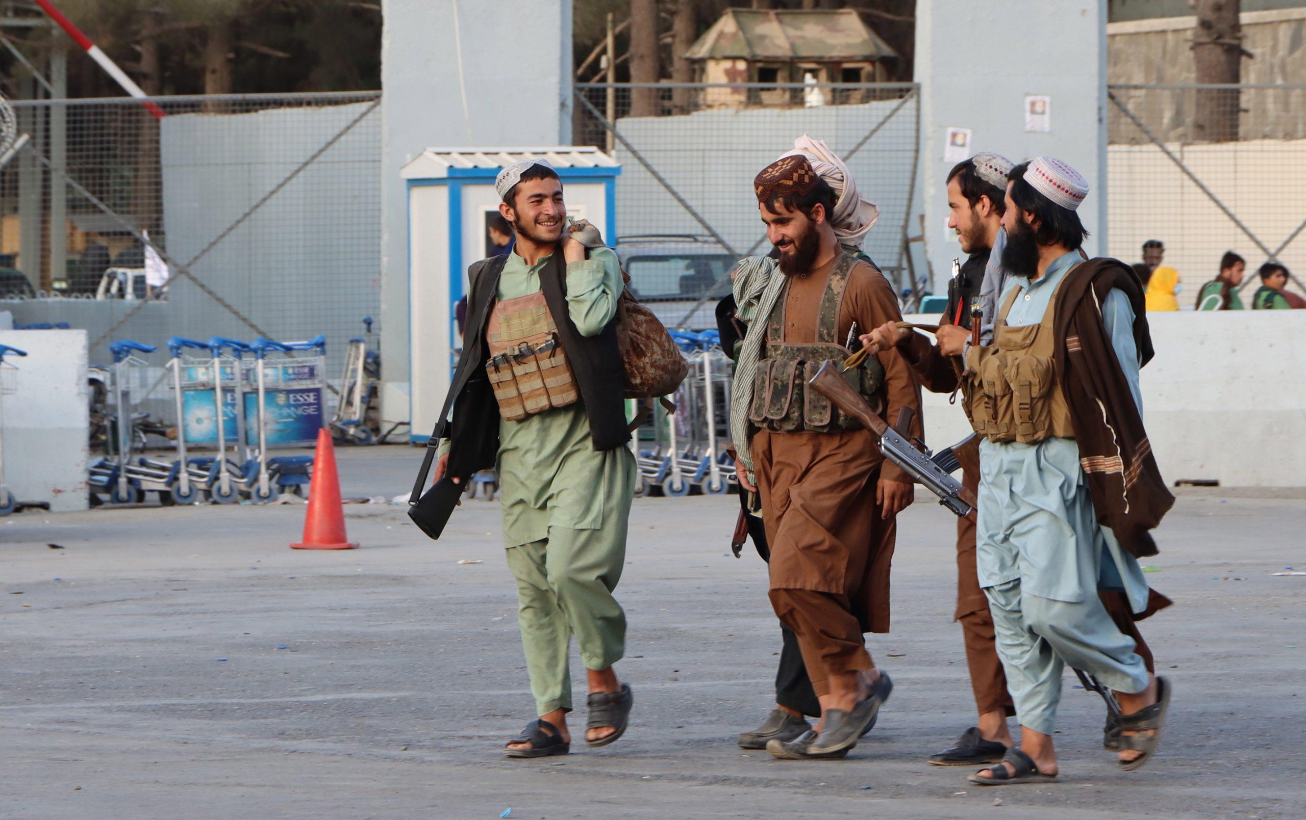 """الانسحاب من أفغانستان من منظور إسرائيلي.. """"الضعف الأميركي سيكلّف إسرائيل ثمناً باهظاً""""!"""
